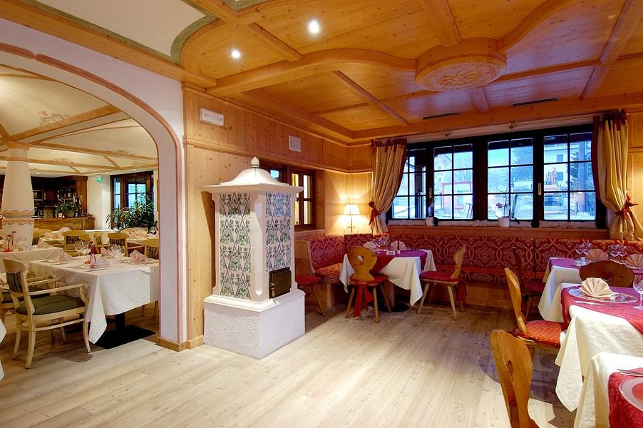 Golf hotel folgaria tn - Folgaria hotel con piscina ...