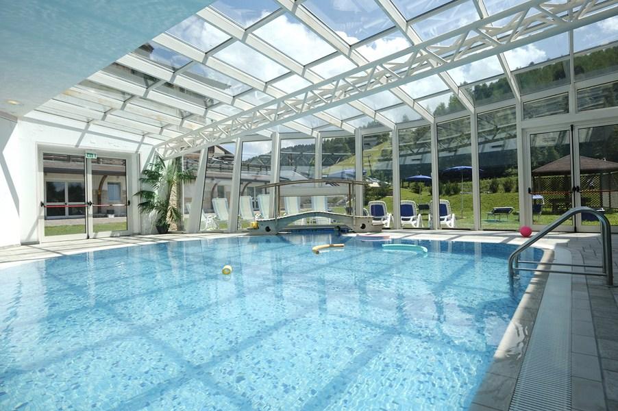 Golf hotel folgaria tn - Hotel con piscina coperta ...